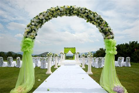 guests  choose wedding halls