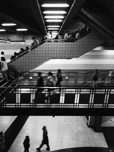 Una foto de tres pisos by Alejandro Bonilla
