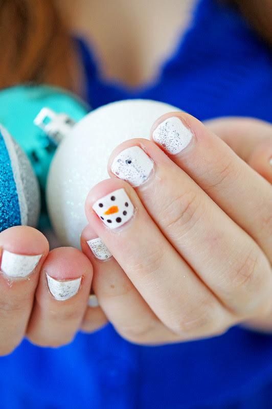 12 Dec - Snowman Nails (1)