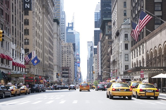 1 2 7 3 Down The Rockefeller Street: New York Portraits: The View Down Seventh Avenue, In Midtown