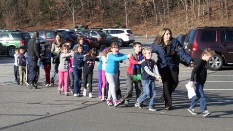 ht newton bee school shooting nt 121214 wblog LIVE UPDATES: Newtown, Conn., School Shooting