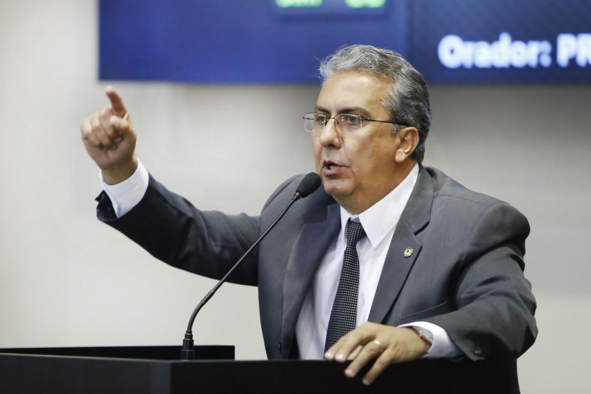 Autor do projeto, deputado Adriano Silva (PSD) pediu a paralisação da tramitação decreto. Foto: Ascom/Divulgação.