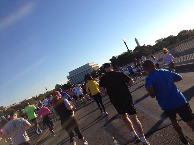 Running across Memorial Bridge toward the Lincoln Memorial early in the race