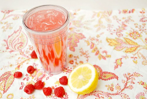 Fresh Raspberry Lemonade