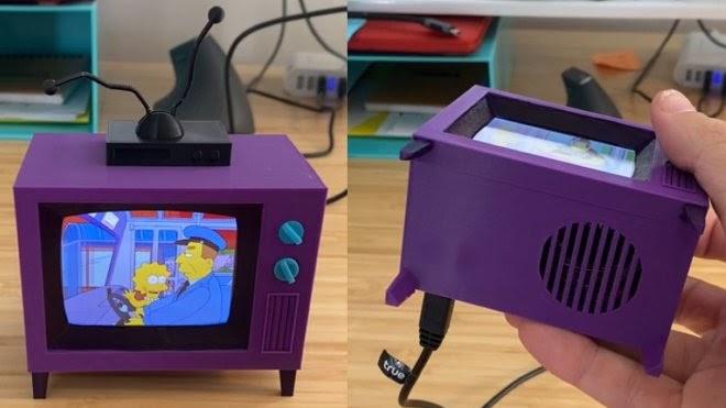 Энтузиаст создал крошечный Симпсон-Телевизор, который показывает сериал без интернета
