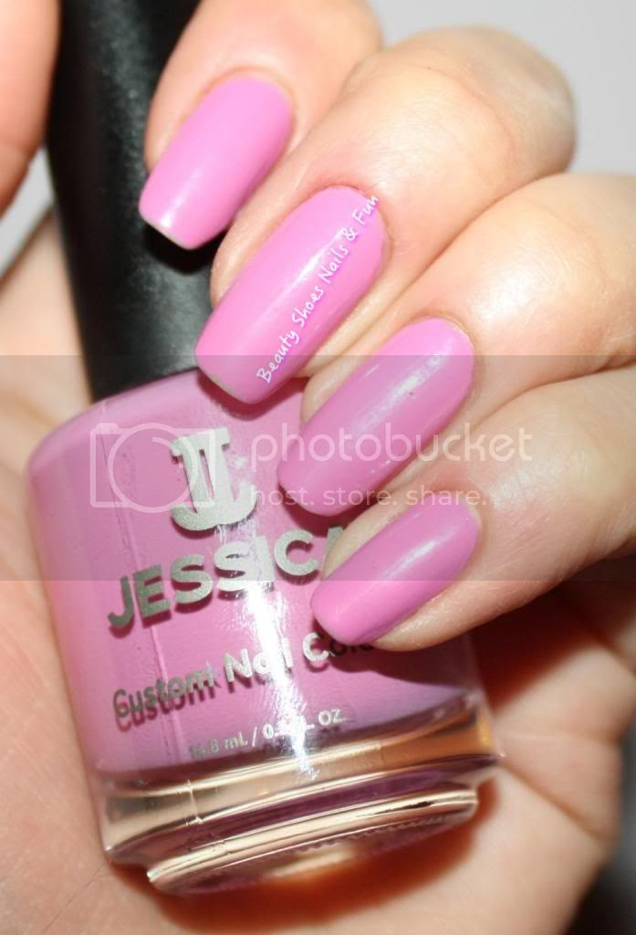 photo JessicaCosmetics-1_zpsd72c5cad.jpg