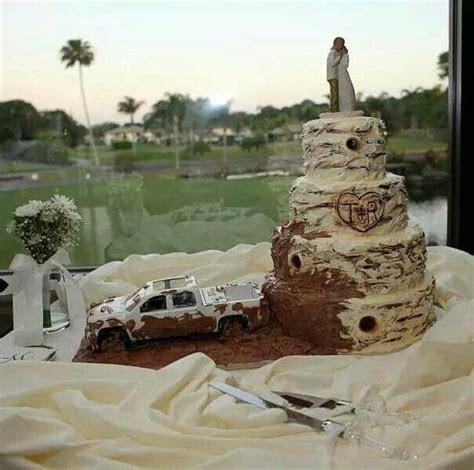 25  best ideas about Mudding Wedding Cakes on Pinterest