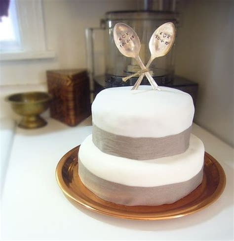 1000  images about Cheap Wedding Cakes on Pinterest   Cake