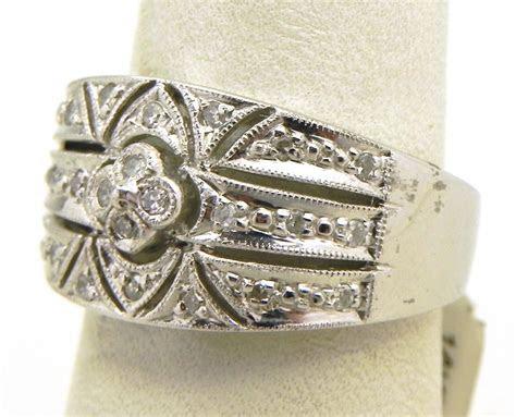 ladies  white gold diamond filigree band ring