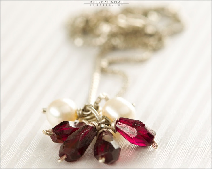 Sterling Silver Necklace With Freshwater Pearls & Garnet Stones - Jewelry by Jason Stroud.