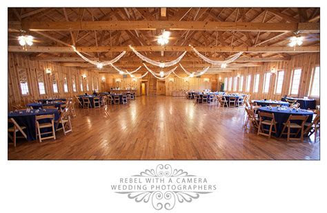 Kristin and Brandon: Sweet Country Wedding at Texas Old