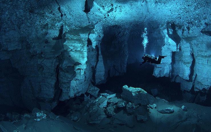 A maior caverna subaquática da Rússia 07