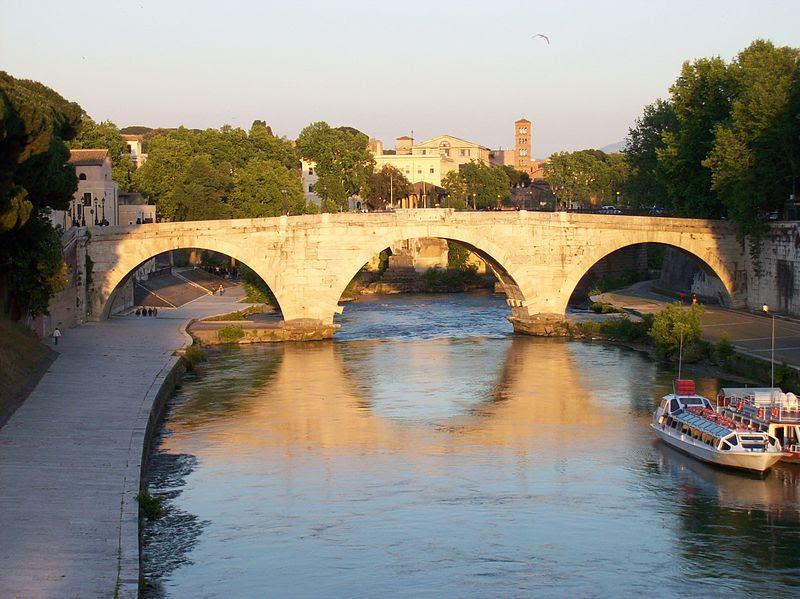 File:2012-05-15 Roma ponte Cestio da ponte Garibaldi 2.jpg
