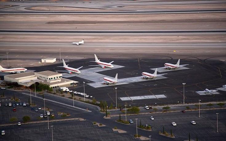 Τα «άγνωστα» αεροσκάφη που προσγειώνονται στη μυστηριώδη Area 51 της Νεβάδα