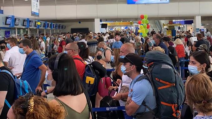 Χαμός στο «Ελ. Βενιζέλος»: Μία ώρα να παραδώσεις βαλίτσα - Καθυστερήσεις στις πτήσεις