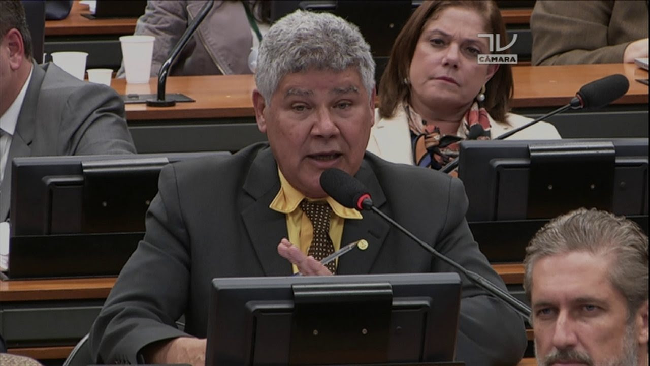 Deputado Chico Alencar diz que há um 'festival' de substituição de membros na comissão