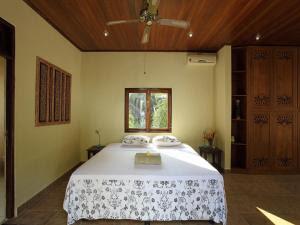 Booking.com: Villa Matanai , Jasri, Indonesia . Book your hotel now!