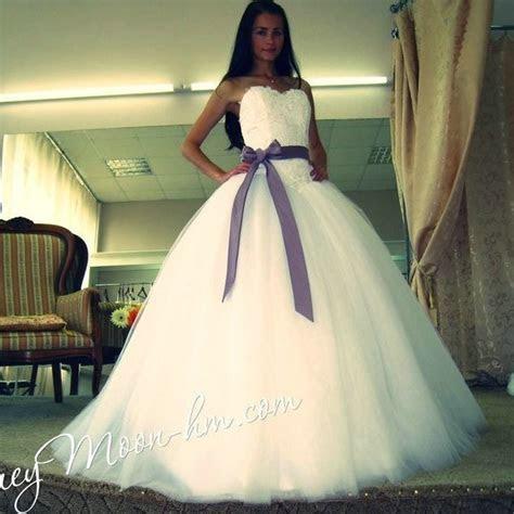 New Arrival Beautiful Ivory Tulle Ball Gown Wedding Dress