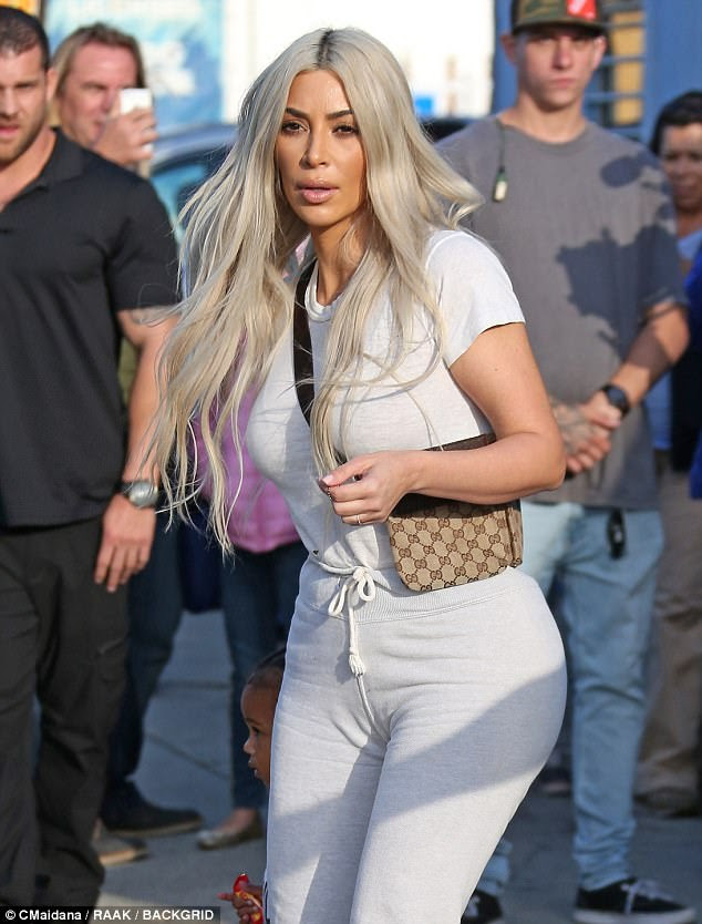 Au natural:Daring to impress, Kim rocked a simple white tee that placed her bountiful bosom on center stage