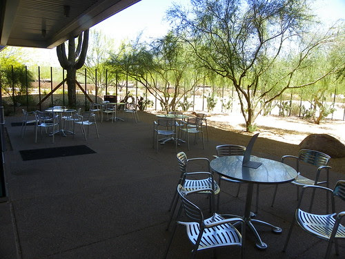 Outdoor seating - Appaloosa Library