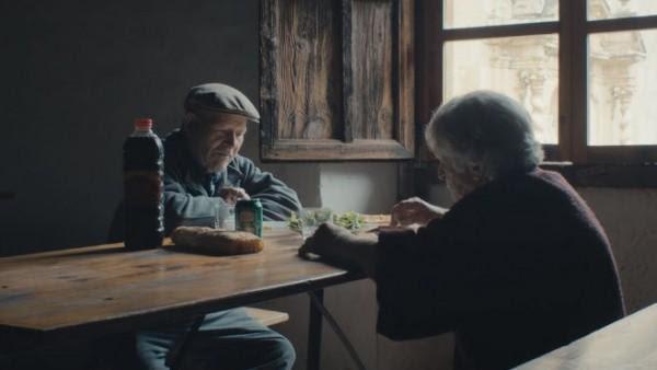 Ηλικιωμένο ζευγάρι ζει μόνο του 45 χρόνια σε εκαταταλειμμένο χωριό!