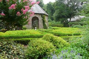 elizabethan gardens outer bx