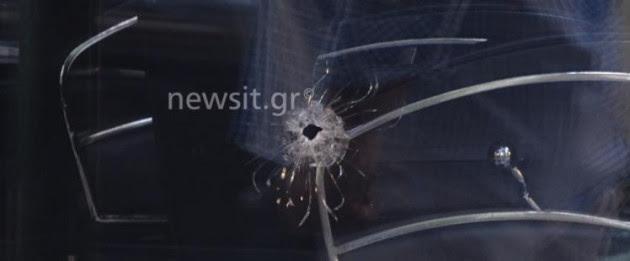 """Σοκ! Πυροβόλησαν γυναίκα σε καφετέρια στον Κορυδαλλό – Δέχθηκε """"αδέσποτη"""" σφαίρα από καβγά σε διπλανό κατάστημα"""