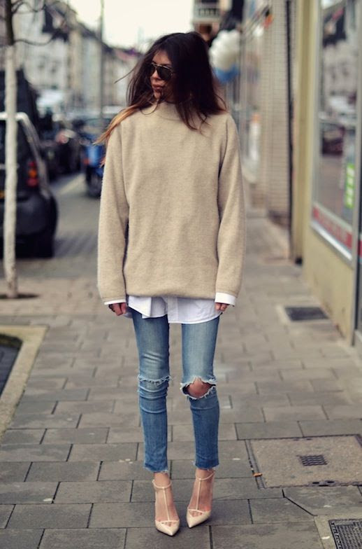 LE FASHION BLOG COMFY COOL MAJA WYH TOUSLED OMBRE HAIR AVIATOR SUNGLASSES OVERSIZED OATMEAL TAN SWEATER LAYERED WHITE CRISP SHIRT SKINNY CROPPED DISTRESSED DENIM SKINNY JEANS NUDE STRAPPY BALENCIAGA INSPIRED HEELS PUMPS BLOGGER STYLE INSPIRATION 1 photo LEFASHIONBLOGCOMFYCOOLMAJAWYH1.jpg