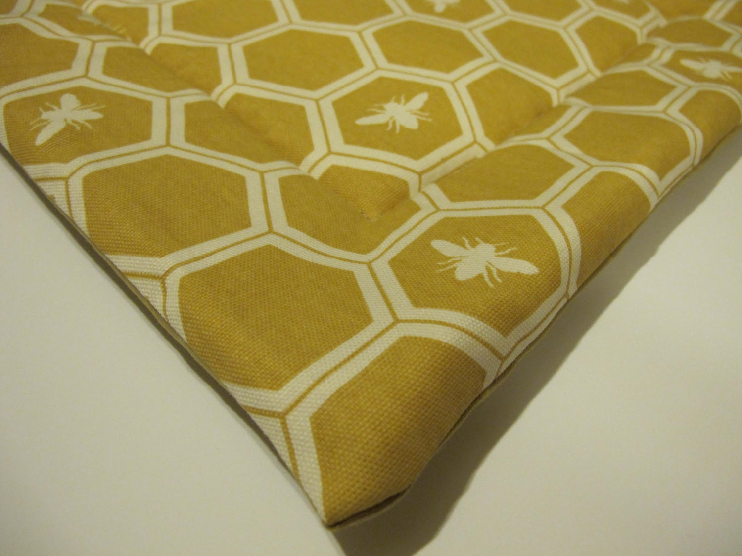 SALE Organic Small Washable Pet Mat / Bed for Cats or Small Dogs -Honey Bees