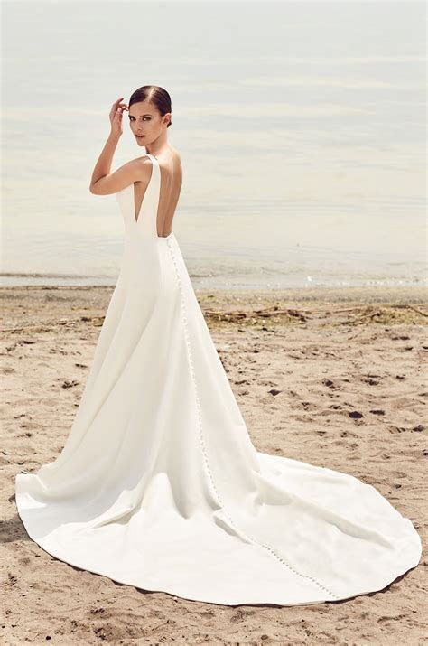 Sleek Modern Wedding Dress   Style #2115   The Dress ?