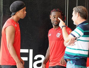 Ronaldinho e Vagner Love (Foto: Fla Imagem)