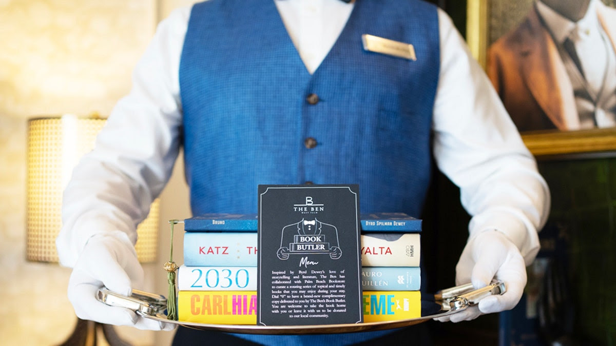 Florida hotel has 'Book Butler' who hand delivers books to guests
