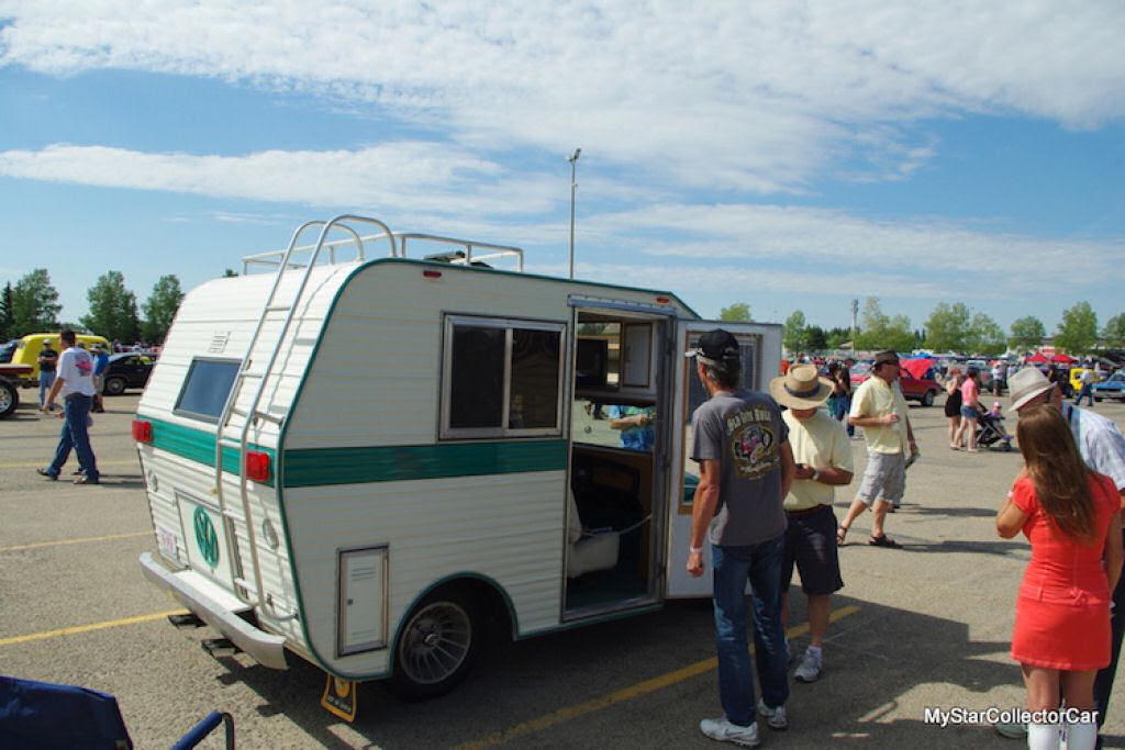 """Fuscas dos anos 1970 convertidos em trailers chamados """"fuscampistas"""" 07"""
