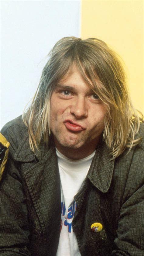 Kurt cobain krist novoselic foo fighters nineties