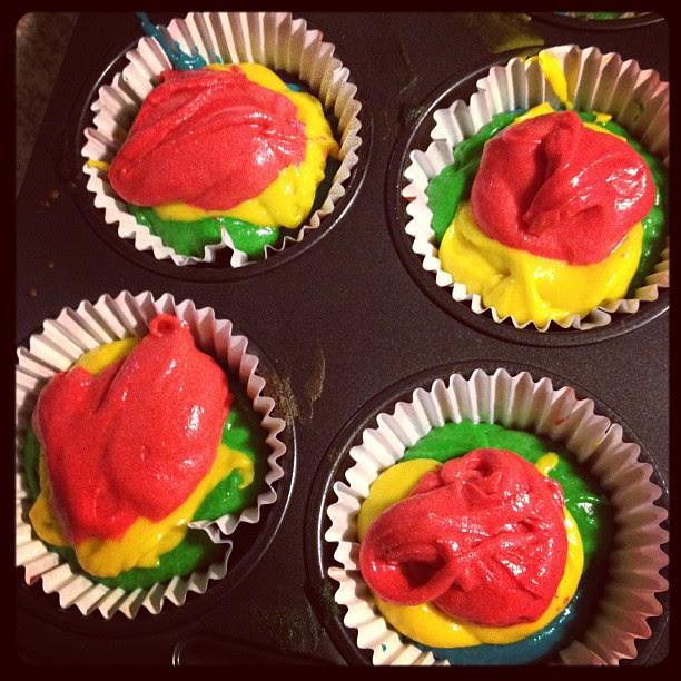 process : rainbow cupcakes