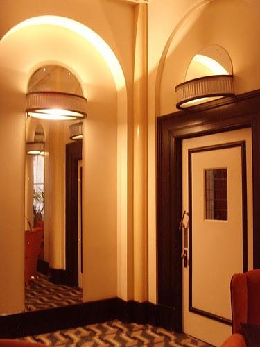 Apartment Foyer Decorating Ideas