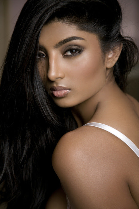 Anchal Joseph Indian American Fashion Model and Actress very hot and sexy wallpapers