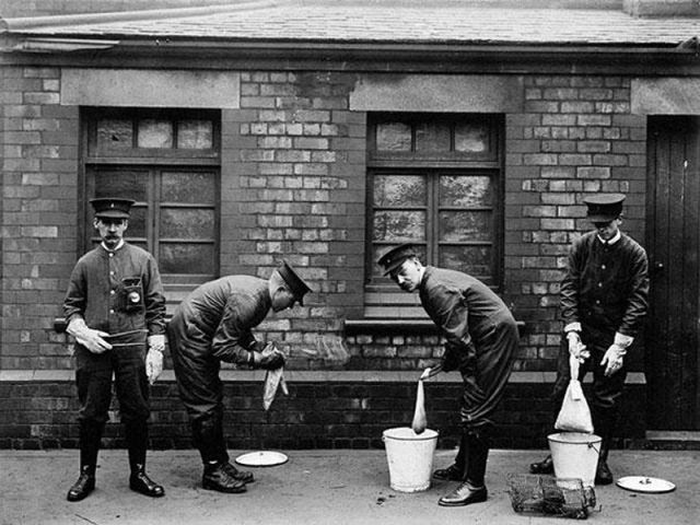 Strange Jobs Throughout History That Are Now Extinct