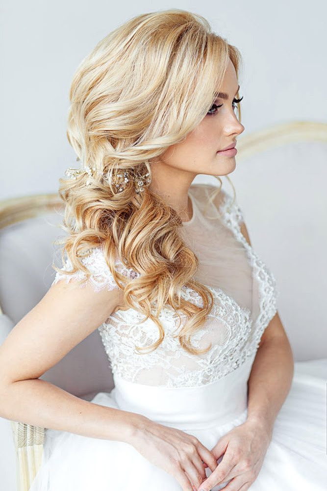 Wedding Hairstyles 2017 – Top Hair Ideas for 2017 Brides – Dipped In Lace
