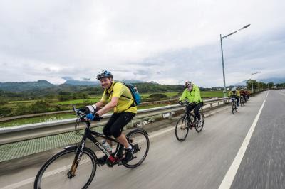 台灣四季皆美,豐富的人文景致,連國外騎士也嚮往。