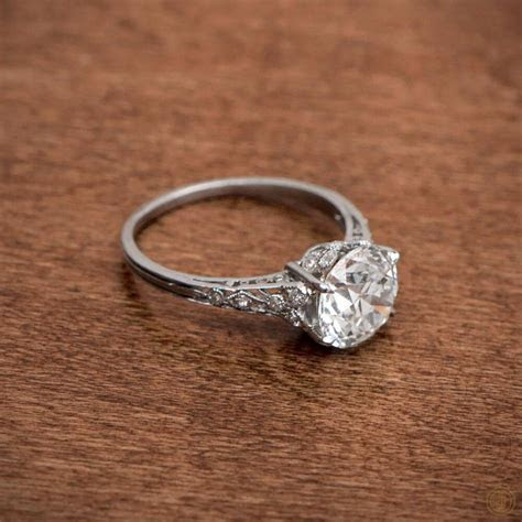 Vintage Engagement Rings to Mark the Beauty of Classic
