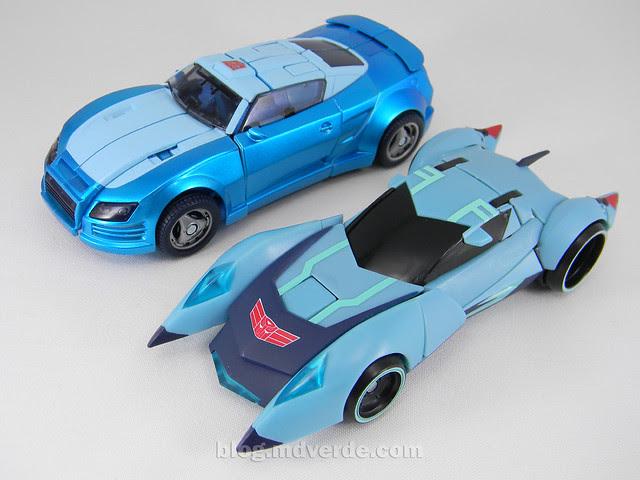 Transformers Blurr United Deluxe - modo alterno vs Animated
