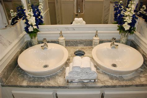 Rental Bathrooms for Weddings & Events: No Maintenance