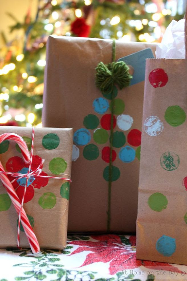 7 Cheap And Easy Holiday Gift Wrap Ideas Smarty Cents