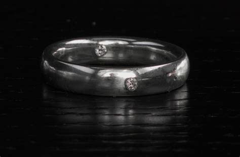 DNA Infused Wedding Bands : contain human DNA