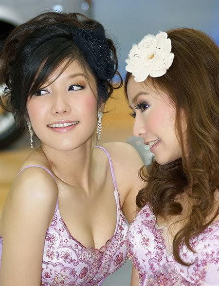 20110531155744 Sarunruk Sirirumpaivong9 Chiêm ngưỡng vẻ đẹp ao ước của nữ hoàng xế hộp Thái