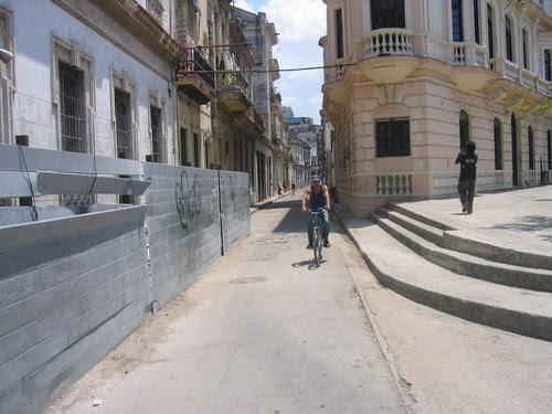 Street scene near Old Habana