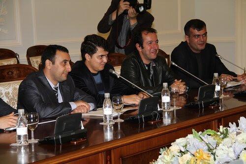 Губернатор Санкт-Петербурга Георгий Полтавченко на встрече с азербайджанскими журналистами в Смольном