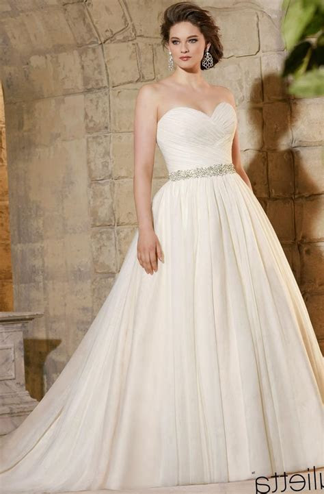 Plus size wedding dress designer   PlusLook.eu Collection