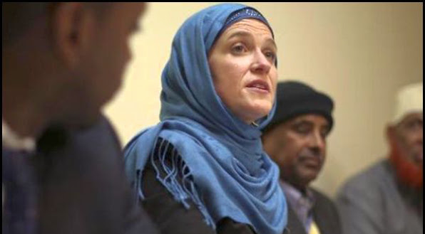 Minneapolis Mayor Betsy Hodges shown here at a meeting with Somali Muslims wearing a hijab in April 2014.